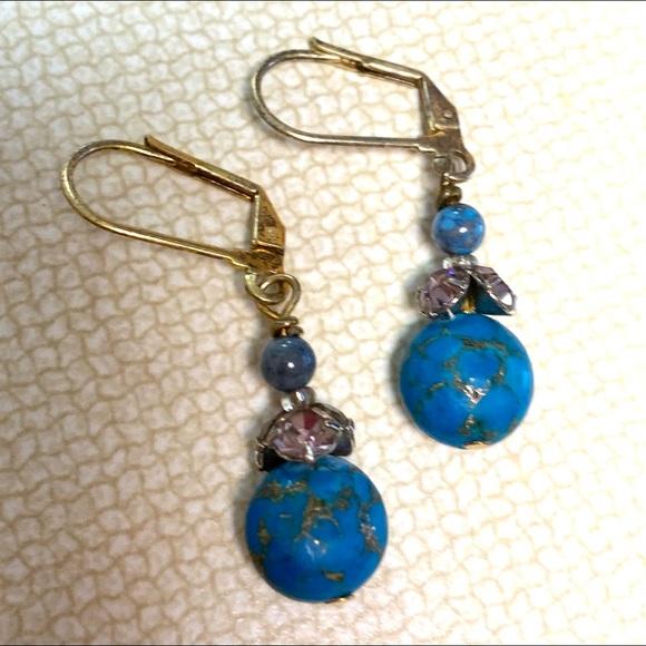 Vintage Jewelry - Gold Tone Turquoise Rhinestones Earrings